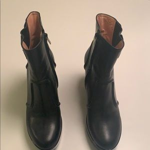 Robert Clergerie boots size 8. Perfect condition.